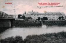 Przemyśl. Szkoła żeńska Pp. Benedyktynek = Benediktiner Madchenschule [Fotowidokówka z obiegu]