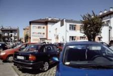 Parking przy Przychodni Specjalistycznej ZOZ nr 2 ul. Fredry [Fotografia]