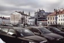 Parking na placu Farnym [Fotografia]