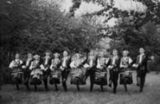 """[Zespół Pieśni i Tańca """"Rzeszowiacy""""] [Fotografia]"""