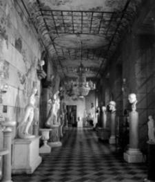 [Galeria rzeźb na Zamku-Muzeum w Łańcucie] [Fotografia]