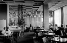 [Wnętrze Klubu Międzynarodowej Prasy i Książki w Rzeszowie] [Fotografia]