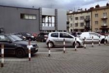 Ul. Jagiellońska - parking przy Galerii Graffica [Fotografia]