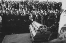 [Pogrzeb Juliana Przybosia w Gwoźnicy Górnej] [Fotografia]