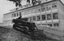 [Budowa Szkoły Podstawowej w Hyżnem] [Fotografia]